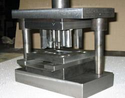 штампы, пресс-формы от призводителя, штамповка металла